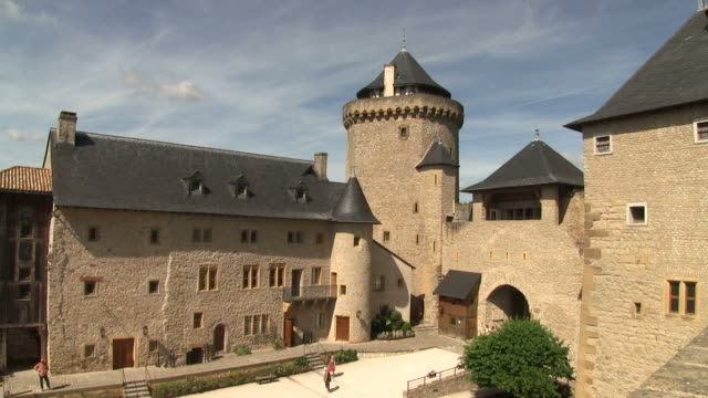 ms shot of chateau de malbrouck / manderen, lorraine, france - lorraine stock videos & royalty-free footage