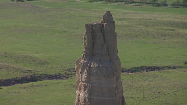 CU AERIAL TS TD Shot of Circle Chimney Rock / Nebraska, United States