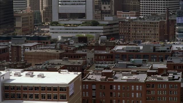 vídeos de stock, filmes e b-roll de ws aerial shot of city / boston, massachutts, united states - plano médio