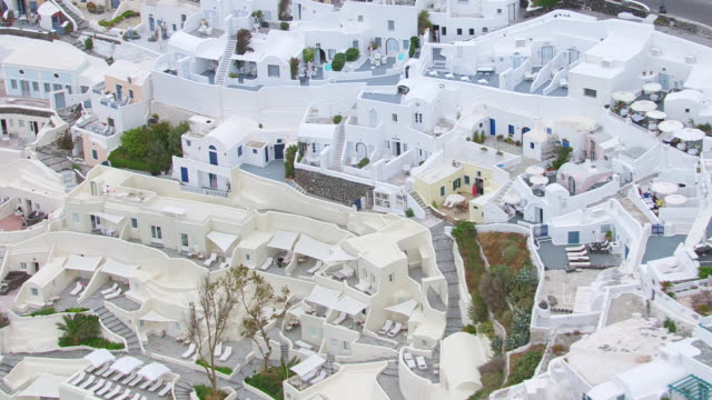 ms aerial shot of city of santorini / santorini, cyclades, greece - insel santorin stock-videos und b-roll-filmmaterial