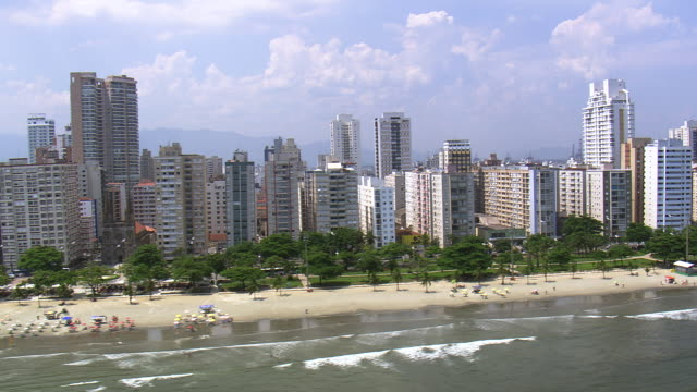 ws aerial ts shot of city / sao paulo, brazil - são paulo stock videos and b-roll footage