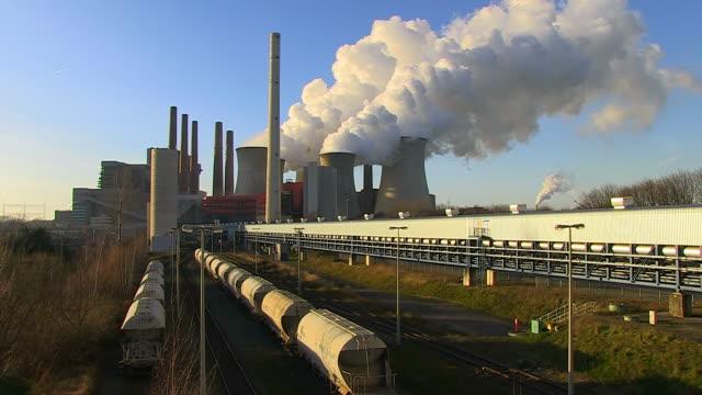 ms shot of coal power plant neurath / neurath, north rhine westphalia, germany - north rhine westphalia stock videos & royalty-free footage