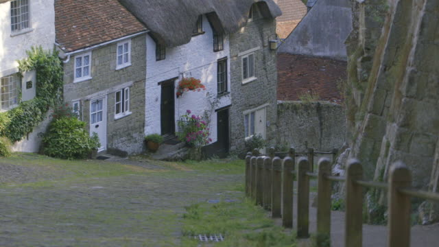 MS Shot of Cottages down steep slope, gold hill / Shaftsbury, Devon, United Kingdom