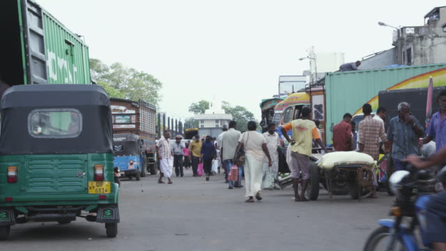 ms shot of crowded area at marcket place  in city / colombo, sri lanka - sri lanka people stock videos & royalty-free footage