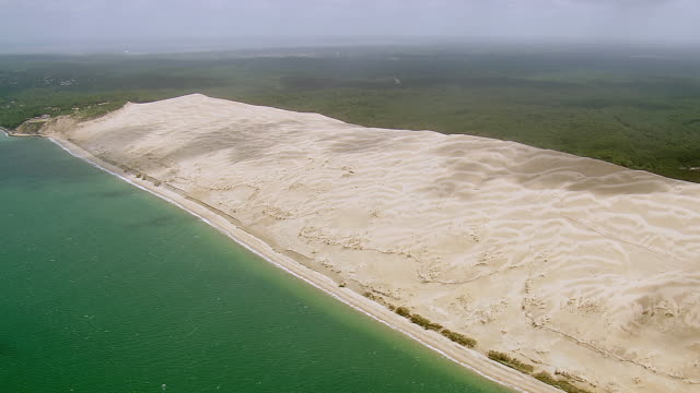 ws aerial shot of dune du pilat / aquitaine, france - dune of pilat stock videos and b-roll footage