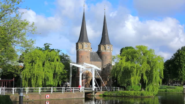 ms shot of eastern gate (oostpoort) / delft, south holland, netherlands - south holland stock videos and b-roll footage