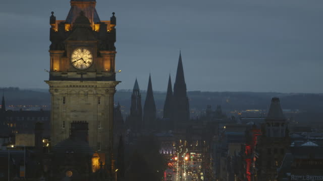 ws shot of edinburgh skyline / edinburgh, edinburgh, united kingdom  - high street stock videos & royalty-free footage