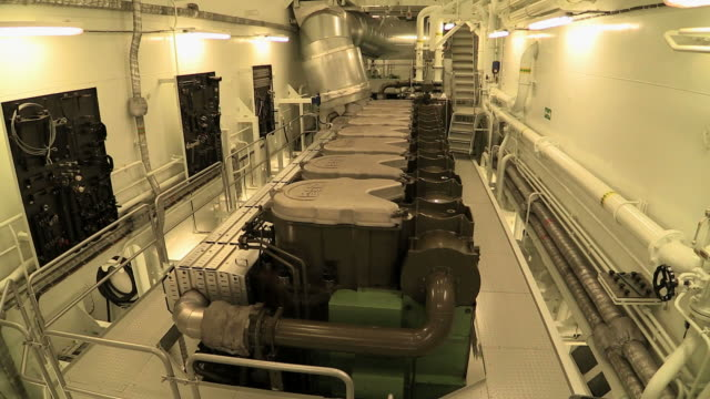 stockvideo's en b-roll-footage met ms shot of engine room of container vessel / baltic sea, poland - machinekamer