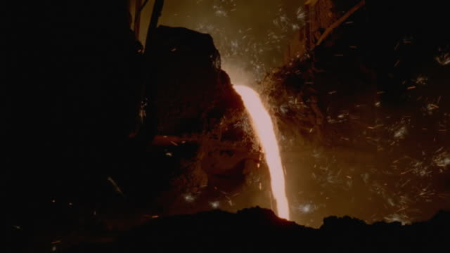 WS TD Shot of Fall of molten steel
