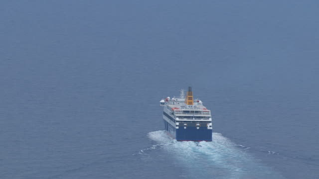 ms zo aerial shot of ferry on open water / dodecanese, greece - färja bildbanksvideor och videomaterial från bakom kulisserna