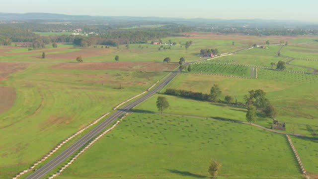 ws aerial shot of fields at gettysburg national military park / pennsylvania, united states - gettysburg stock videos & royalty-free footage