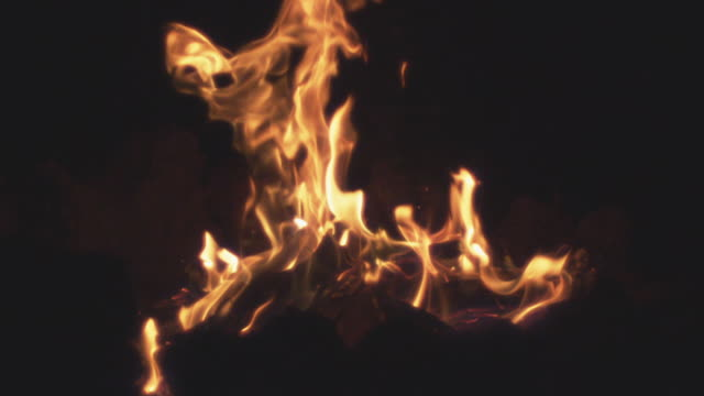 'MS SLO MO Shot of fire flames in campfire / Bend, Oregon, United States '