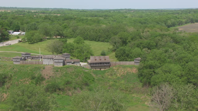 ws aerial ts ds shot of fort osage / missouri, united states - country road stock videos & royalty-free footage