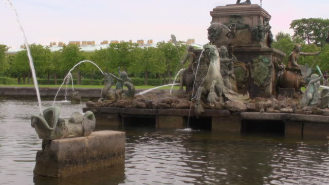 MS Shot of fountain in Peterhof palace Summer Garden / St. Petersburg, Russia