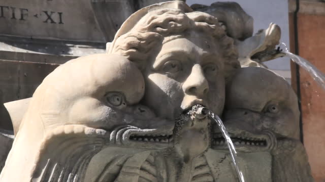 stockvideo's en b-roll-footage met ecu shot of fountain / pantheon, rome, italy - fontein