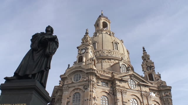 ms shot of frauenkirche / dresden, saxony, germany - dresden frauenkirche stock videos & royalty-free footage