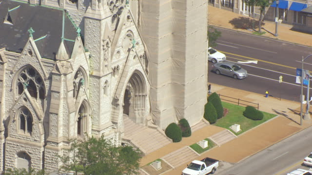 ms aerial zi shot of front entrance to st francis xavier college church at st louis university / st louis, missouri, united states - st. louis missouri stock videos & royalty-free footage