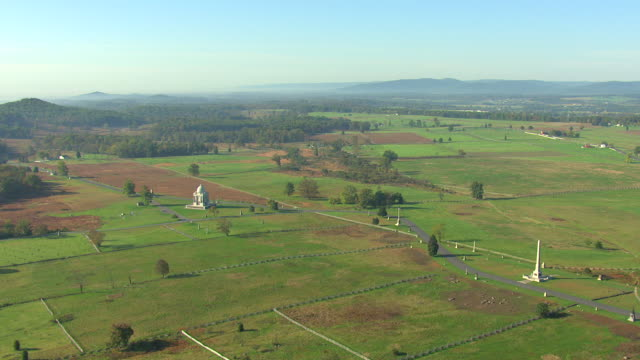ws aerial shot of gettysburg national military park / pennsylvania, united states - gettysburg stock videos & royalty-free footage