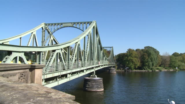 ms shot of glienicker bridge / berlin, germany - komplett stock-videos und b-roll-filmmaterial