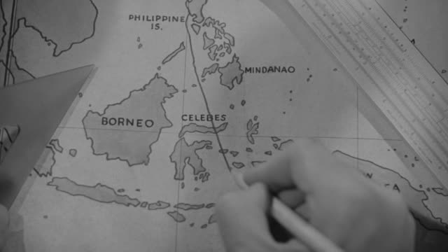 cu zi shot of hand drawing line on map - papua stock videos and b-roll footage