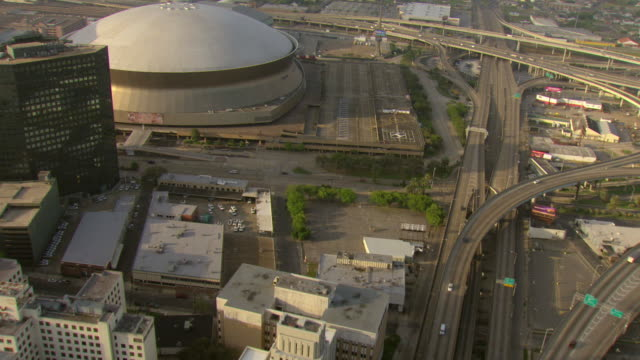 ms aerial shot of highway with mercedes benz superdome / new orleans, louisiana, united states - mercedes benz stock videos & royalty-free footage