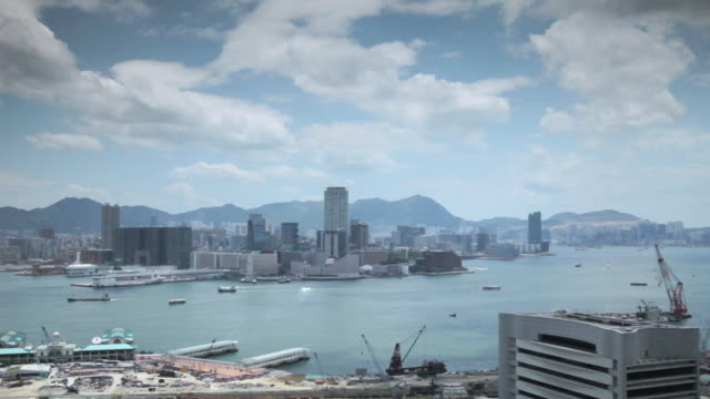 stockvideo's en b-roll-footage met ws r/f shot of hong kong harbour / hong kong, hong kong, hong kong - uitfaden