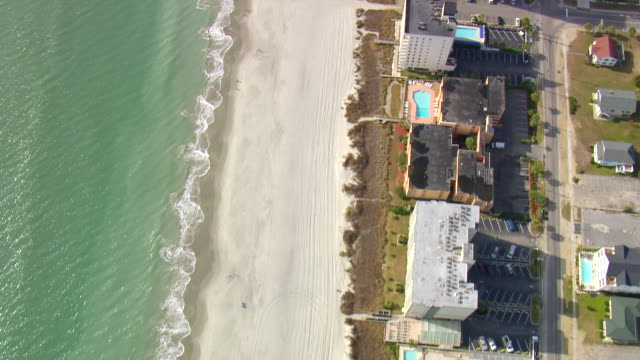 cu aerial tu shot of houses at north myrtle beach / south carolina, united states - myrtle beach stock videos & royalty-free footage