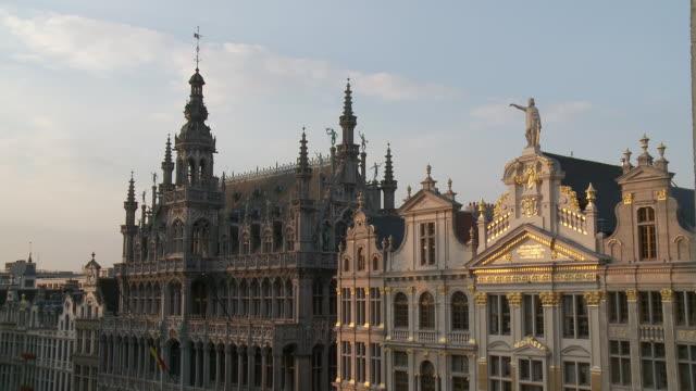 MS Shot of La Grand Place UNESCO world heritage with La maison du Roi details / Brussels, Brussels Capital Region, Belgium