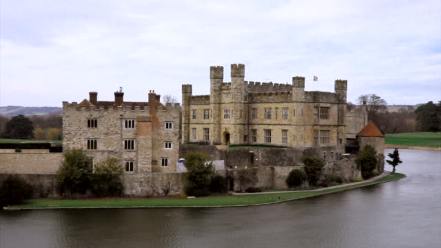 MS T/L shot of Leeds castle in front of lake / London, United Kingdom
