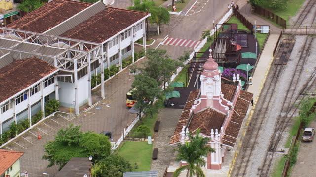 ws aerial shot of mariana station / minas gerais, brazil - minas stock videos and b-roll footage