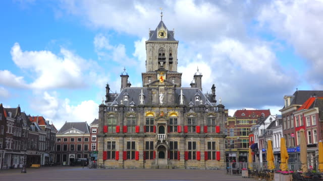 ws shot of market square with city hall / delft, south holland, netherlands - south holland stock videos and b-roll footage