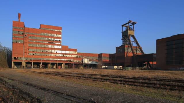 ws shot of musee les mineurs wendel building / petite rosselle, lorraine, france - lorraine bildbanksvideor och videomaterial från bakom kulisserna