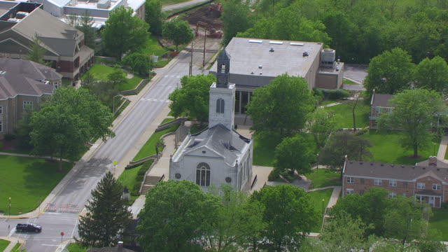 WS AERIAL TS DS Shot of National Churchill Museum at Westminster College / Fulton, Missouri, United States