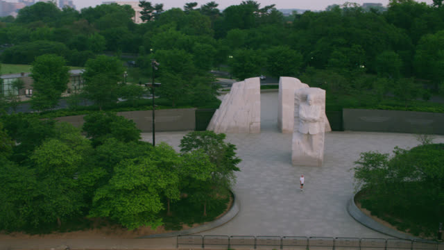 """""""ws aerial shot of national memorial to martin lu r king jr / washington dc, united states """" - male likeness stock videos & royalty-free footage"""