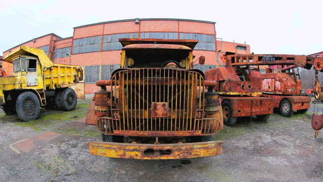ms shot of oldest truck and cranes at musee les mineurs wendel / petite rosselle, lorraine, france - lorraine bildbanksvideor och videomaterial från bakom kulisserna