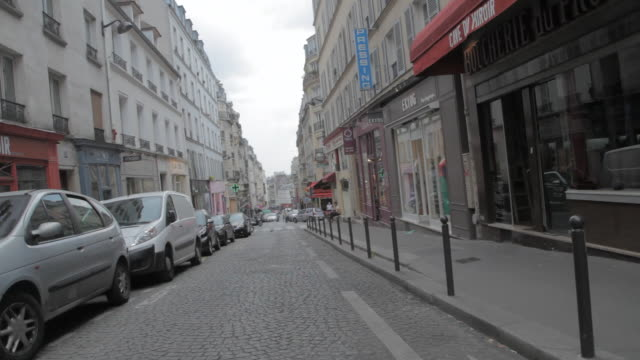 WS Shot of one way street in city / Paris, France