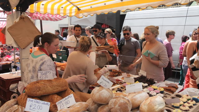 MS Shot of Organic bread stall in portobello market / London, United Kingdom