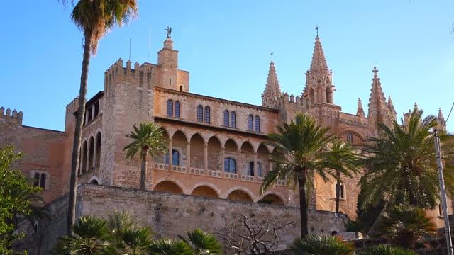 ms shot of palau de l'almudaina, catedral la seu, parc de la mar / palma de mallorca, mallorca, balearic islands, spain - mar stock videos & royalty-free footage