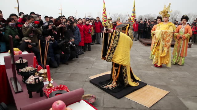 ms shot of people dressed in traditional costumes offer sacrifice to heaven when winter solstice festival / xian, china - solstice stock videos & royalty-free footage