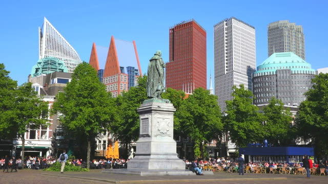 ws shot of people enjoying food at statue of william silent in city / den haag, south holland, netherlands - the hague stock videos and b-roll footage