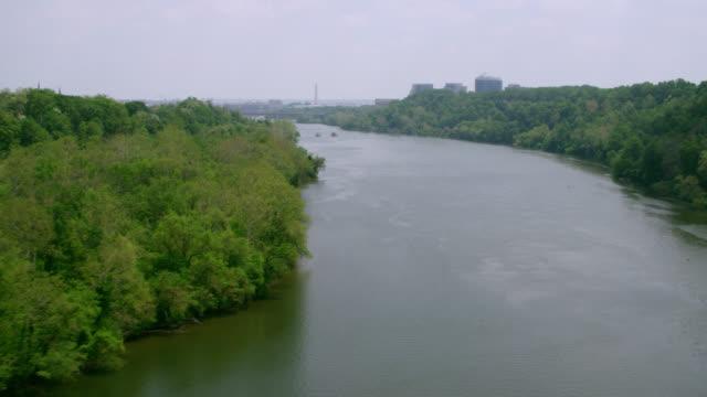 """vídeos y material grabado en eventos de stock de """"ws aerial shot of potomac river / washington dc, united states"""" - río potomac"""