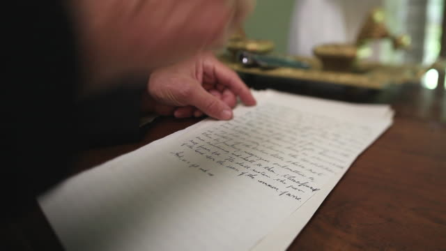 vidéos et rushes de cu shot of president abraham lincolns hands writing / clear spring, maryland, united states - plume