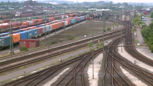 ws shot of railroad yard maschen near hamburg / maschen, lower saxony, germany - 操車場点の映像素材/bロール