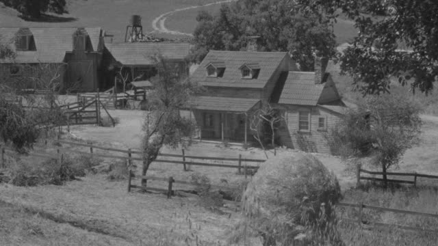 ms shot of ranch house in rural area - ranch house stock videos & royalty-free footage