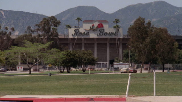 ms shot of rose bowl football stadium - pasadena california stock videos & royalty-free footage