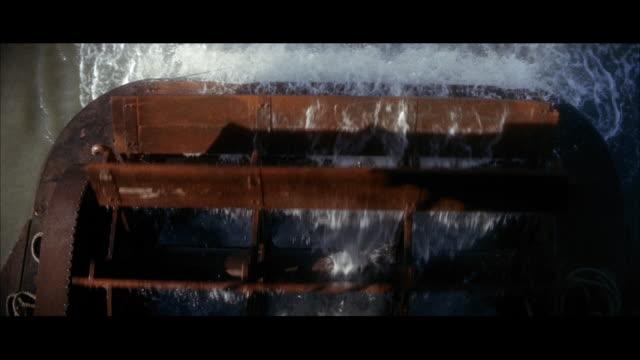 stockvideo's en b-roll-footage met cu shot of rotating paddle wheel / hong kong  - breedbeeldformaat