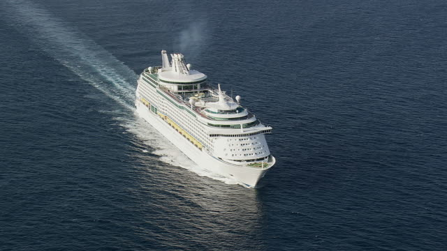 ms aerial shot of royal caribbean cruises / provence alpes cote d'azur, france - kreuzfahrtschiff stock-videos und b-roll-filmmaterial