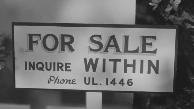 cu shot of sign board - immobilienschild stock-videos und b-roll-filmmaterial