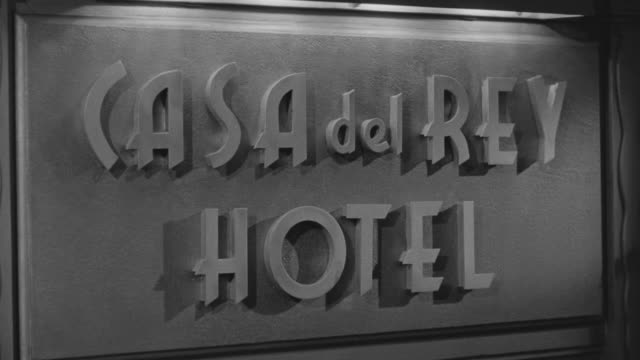 ms zi r/f shot of sign of casa del rey hotel - western script stock videos & royalty-free footage