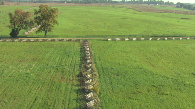 ms aerial shot of split rail fence at gettysburg national military park / pennsylvania, united states - battlefield stock videos & royalty-free footage